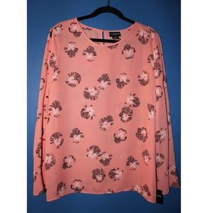 ❗️NWT Floral Blouse❗️